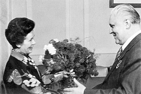 1976 год. У товарища по партии Владимира Щербицкого - день рождения!