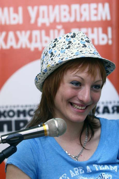 Отец и дочь впервые увиделись в редакции «Комсомолки» 19 лет спустя.