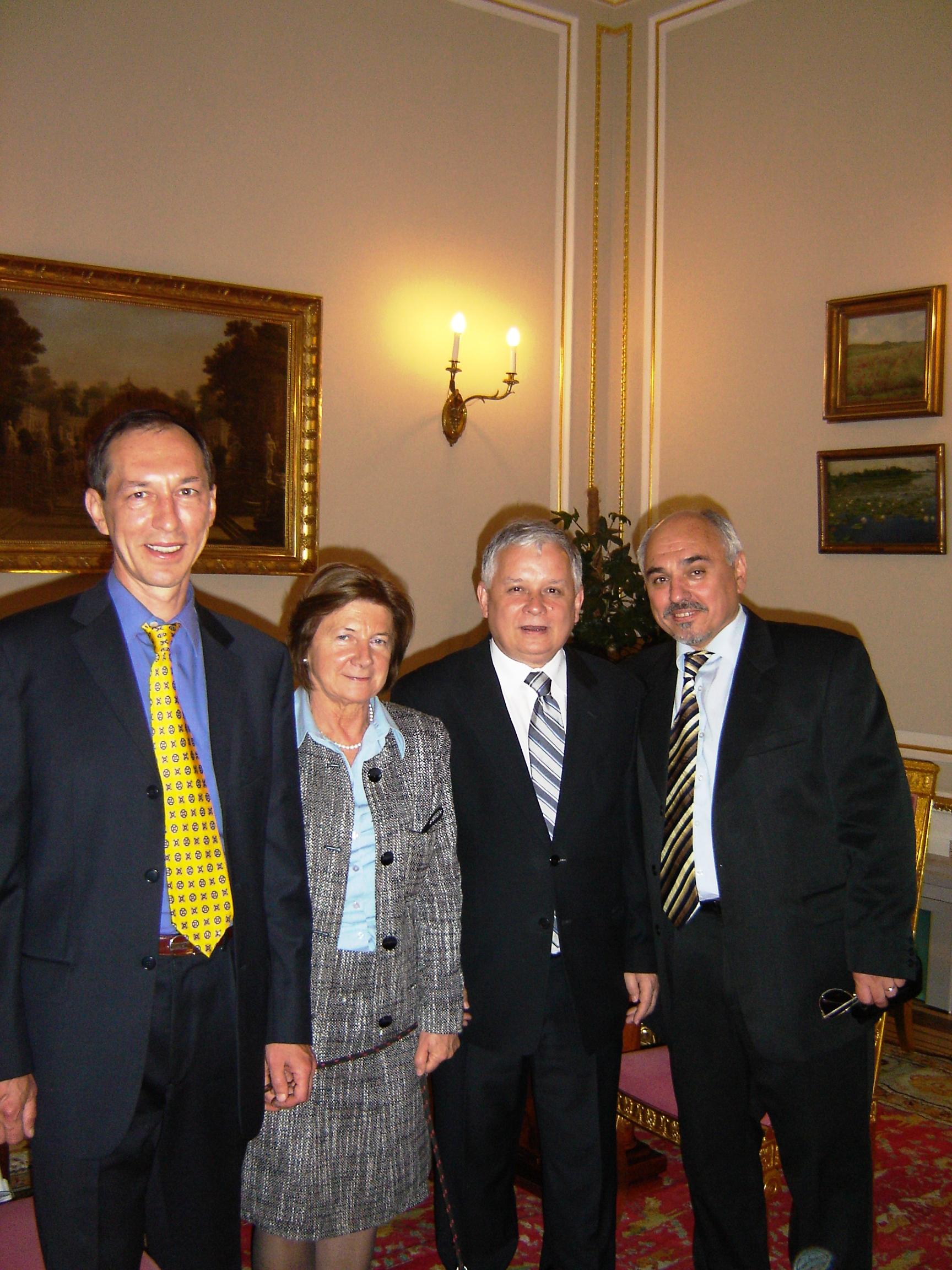 Лех с Марией принимали братьев в президентской резиденции. Фото из архива семьи Мохначевых