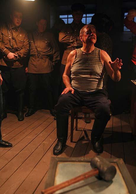 В кино героя Михалкова допрашивали чекисты. В жизни Никита Сергеевич попал на «допрос» к журналисту «КП».