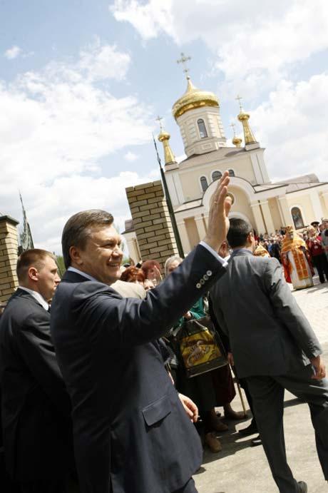 Храм Георгия Победоносца в Енакиеве построили на деньги семьи Виктора Януковича.