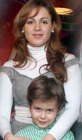 Старший сын Королевской Ростислав любит младшего брата и мечтает о сестричке.