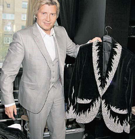 Знаменитый комплект от «Fresh art» состоит из пиджака...