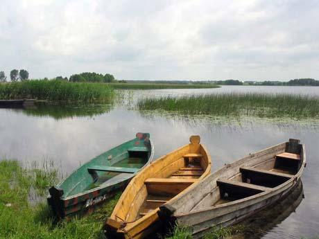 Самая увлекательная экскурсия на Шацких озерах – водное путешествие по Свитязю. Фото с сайта x-trips.com
