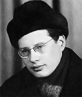 Виктор (Виталий Евгеньевич) Луи - величайший в истории СССР закулисный интриган - внешне ничем из толпы не выделялся.