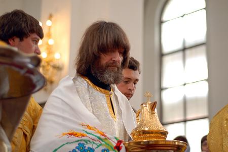 Разрешение о возведении в сан Федора Конюхова принимал патриарх всея Руси Кирилл.