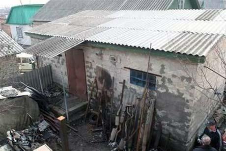 Дом в Броварах (Киевская обл.), где преступники держали похищенных людей. Там же и убивали, а потом вывозили в лес.