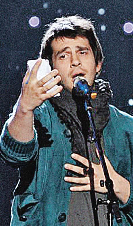Петр Налич без портрета жены на сцену не выходит.