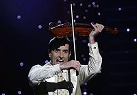 Главным конкурентом певицы стал скрипач Александр Божик, занявший второе место.