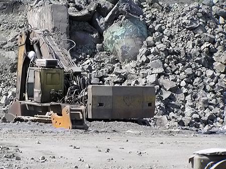 По некоторым оценкам, стоимость находящихся на полигоне «Балка Средняя» отходов черных металлов и нелегированной стали достигает почти 3 млрд долл.