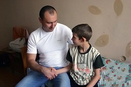 Владислав Сафонов проведал в больнице своего тезку Владика Цигляника.