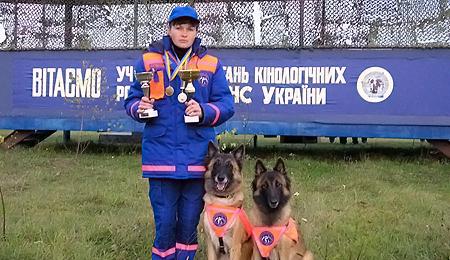 Кинолог Лариса Борисенко и ее напарница Чока.