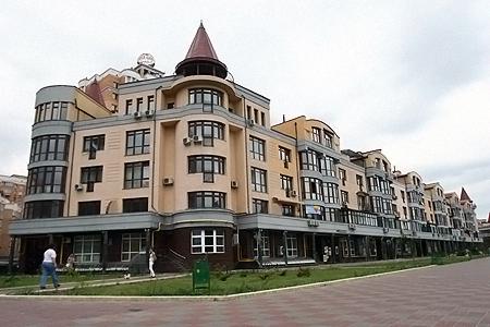 Президентская квартира - это два этажа, мансарда и летняя терраса.