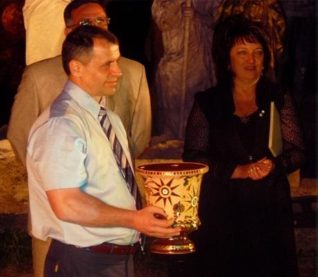 Крымский спикер готовится по традиции фестиваля пролить на землю крымское вино