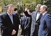 Алушта, 2004 год. Президенты России Владимир Путин, Украины Леонид Кучма (слева) и Александр Лебедев в рекреационном комплексе «Море».