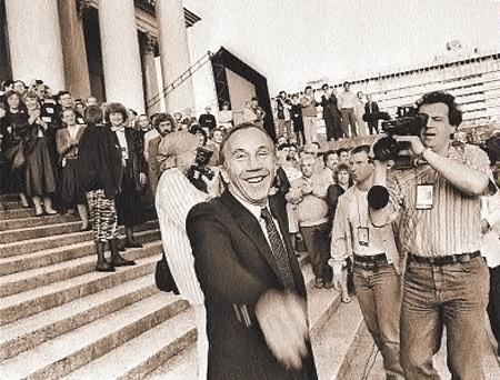 1992 год. Крамаров на «Кинотавре». Больше в Россию он приехать не успеет...