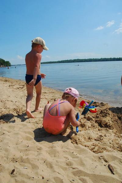 Очень часто жертвами воды становятся дети, оставшиеся без присмотра.