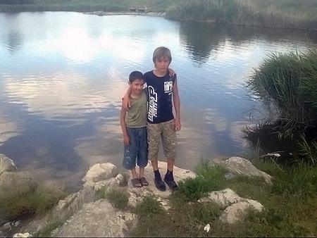 Женя (справа) и Самир теперь друзья.