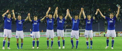 Основной состав команды на месте и готов к новым победам. Фото Павла ДАЦКОВСКОГО.