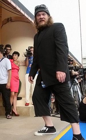 Вилле Хаапасало в Сочи в такой одежде никуда, кроме красной дорожки, не пускали.