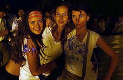Певица на отдыхе с Лилией Литковской и сестрой Оксаной.