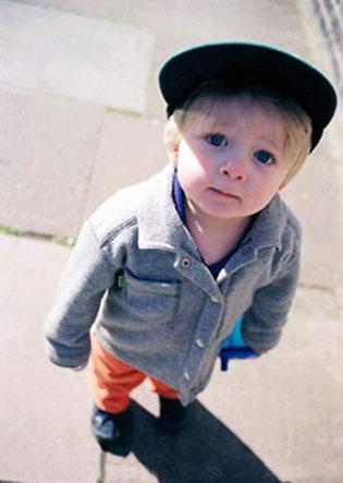 Возраст малыша на размер пособия не влияет.