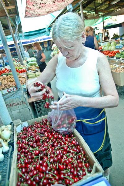 Чтобы насладиться вкусом фруктов, придется побегать и хорошо заплатить.
