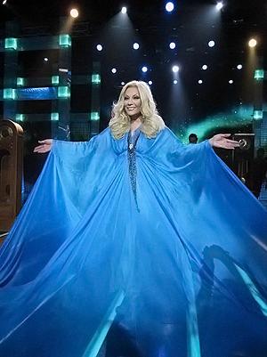 В этом платье Таисия обещает появиться и на