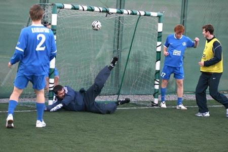 Линасу Климавичюсу удалось пробить великолепного вратаря сборной «Peoplenet Cup».