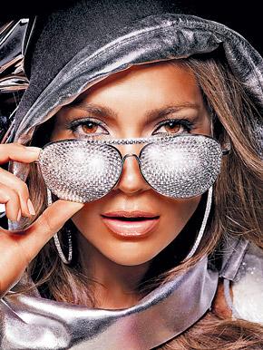 Очки, линзы которых усыпаны стразами, - это не рекламный трюк, который Дженнифер Лопез выбрала для обложки нового альбома. Такие очки действительно существуют, правда, пойти в них можно разве что в ночной клуб.