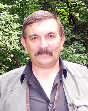 Археолог Владимир Руденок изучает таинственные пещеры со школьных лет.