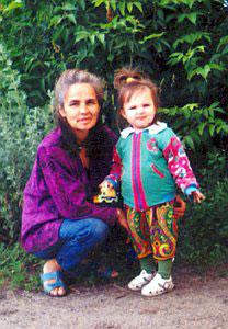 Нина Глащенко с внучкой Линой