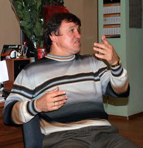 Несмотря на почти товарищеский статус матча, Соколовский сильно переживал за свою команду.