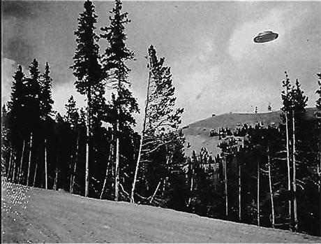 1927 год, штат Орегон, США: снимок «летающей тарелки» сделан за 20 лет до того, как о них заговорили.