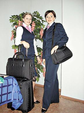 «Неземные» девушки Надежда (справа) и Ирина: - Первым делом - самолеты...