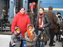 Надежда Борисовна счастлива, что дочь и внуки прилетели здоровыми и невредимыми.