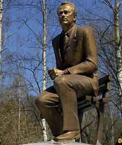 Памятник Мэтру у стадиона «Динамо» - место паломничества болельщиков.