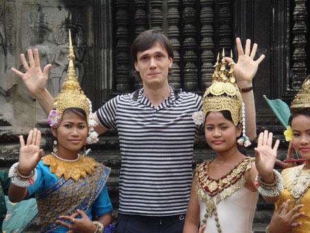 Кинопродюсер нашел очаровательных фотоактрис и в Азии.