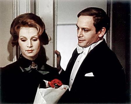 Роль Шервинского в фильме «Дни Турбиных» смыла, как весенний ливень, юношескую наивность Ланового.