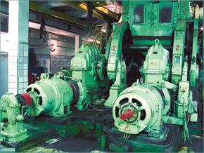 Такие двигатели установлены под каждым подъемником.