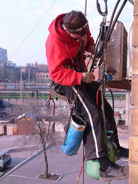 Отремонтировать кондиционер порою труднее, чем его установить.