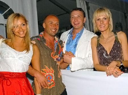 Не так давно они дружили семьями (слева направо): Навка, Жулин, Башаров, Лиза.