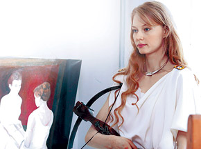 Героиня Светланы борется за любимого с родной матерью.