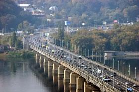 При строительстве моста Патона впервые использовали метод электросварки.