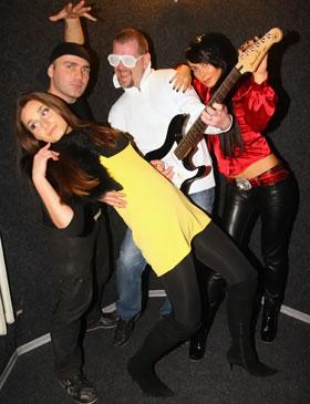 Группа Dress Code смиксовала музыку и политику.