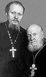 Отец Патриарха Михаил (слева) и дед Василий Гундяевы тоже были священниками