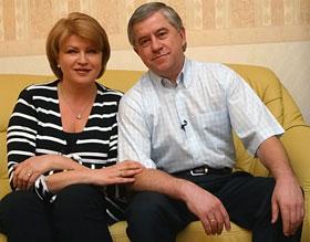 Анатолий Кинах, как и многие его коллеги, женился на своем пресс-секретаре.