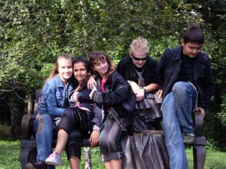 Коля Ясько (крайний справа) со своими друзьями. Фото сделано три года назад.
