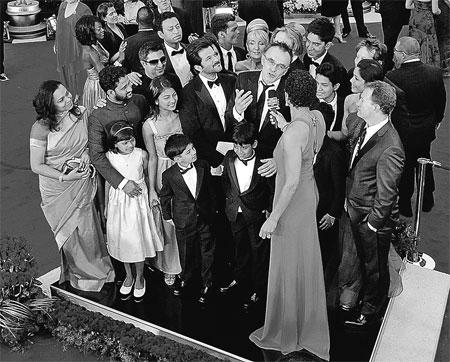 Дети, сыгравшие попрошаек в картине Дэнни Бойла, благодарили режиссера, что попали из трущоб на красную дорожку «Оскара».