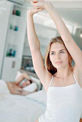 Утреннюю гимнастику делайте с улыбкой, и она даст потрясающий эфект.